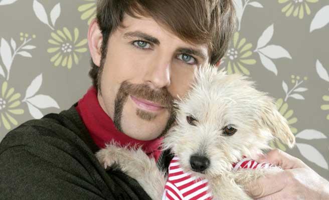 ペットの犬と男性のツーショット
