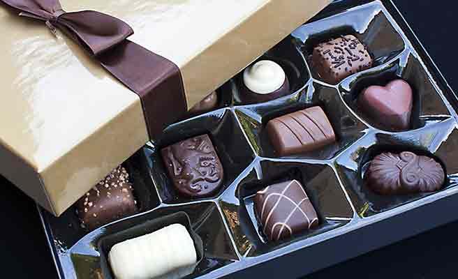 箱に入った一口サイズの高級チョコ