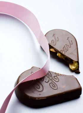 箱を開けて割れたチョコレートが出てきたら悲しいですね…