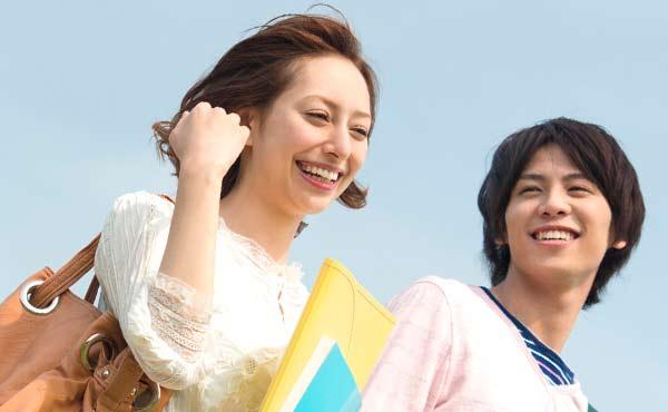 好きな人と仲良くなるきっかけを呼ぶ!話しかけやすい女性になる方法