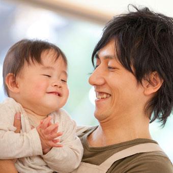 好きな人や恋人が赤ちゃんをあやしている夢