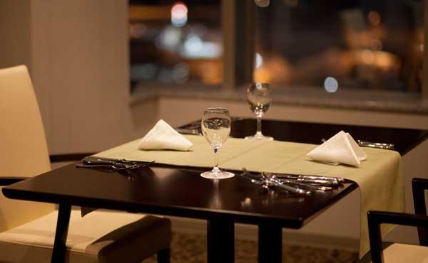 高級ホテルのレストラン