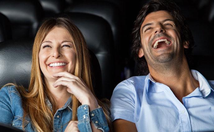 休日に恋愛映画を見に行く男は彼女持ちかも