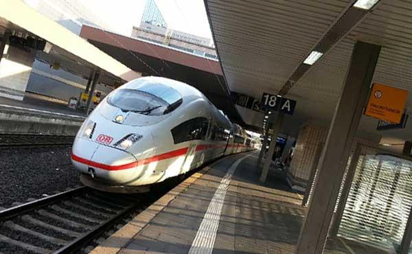 遠くまで行ける新幹線