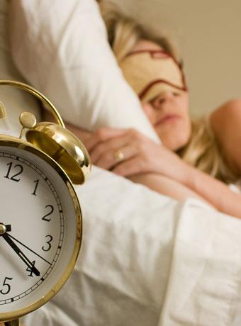 ぐっすり眠って肌を修復