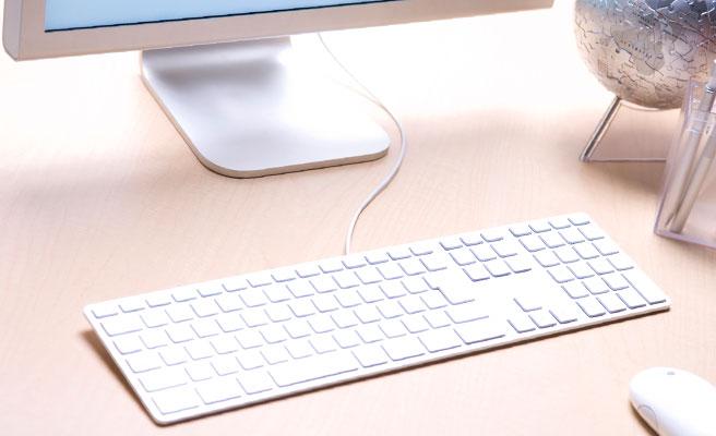 パソコンなど仕事で使うものはしっかりお手入れを