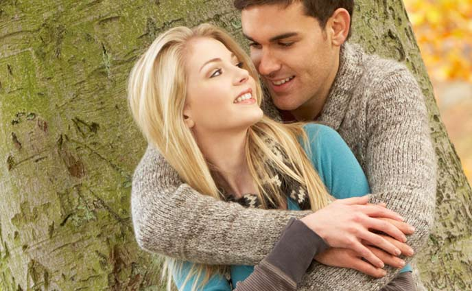 彼女に惚れ直す瞬間~離れかけた彼氏の心を取り戻すには