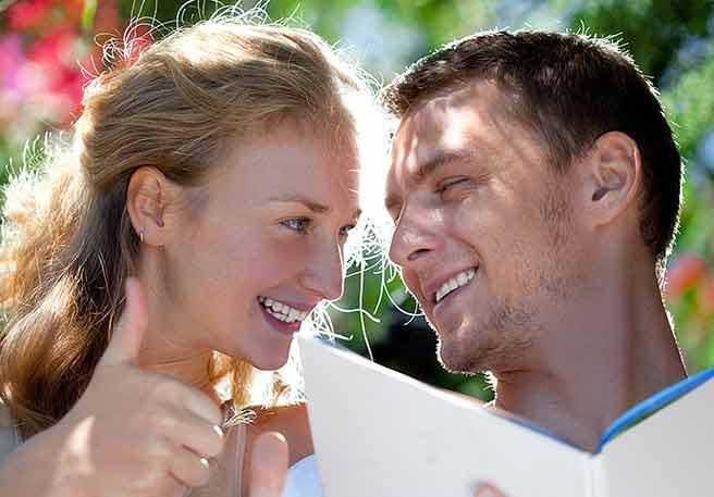 彼氏が結婚を決意する誕生日メッセージを送る彼女