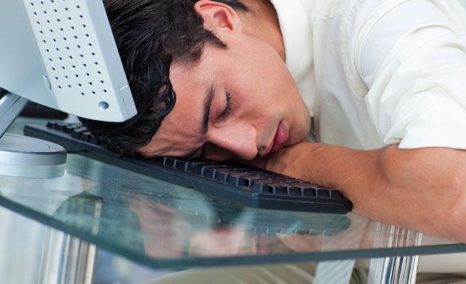 仕事や部活で疲れて会う気力がない