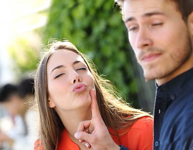 彼女のキスを拒む彼氏