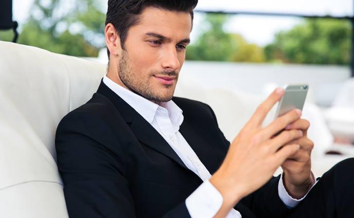 彼氏がメールを無視する理由と対処法