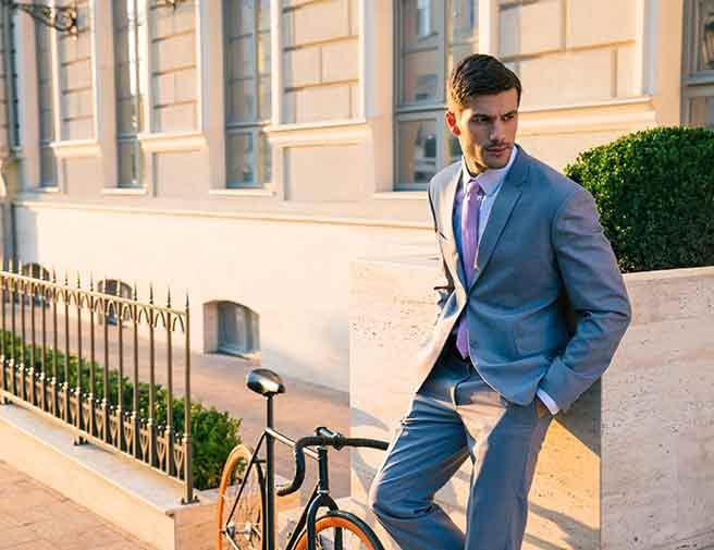 スーツ姿のかっこいい彼氏