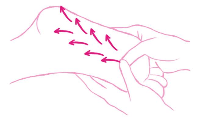 指先からかかとにかけて両手の親指でハの字を描くように、ほど良い圧力をかけながら外側にスライドさせていきます