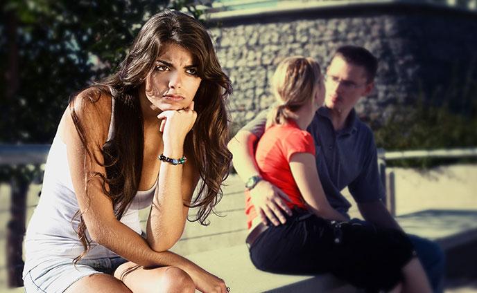 好きな人に彼女ができたら…諦めるのが辛い恋の対処法6つ