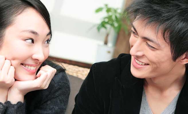 愛情表現するカップル