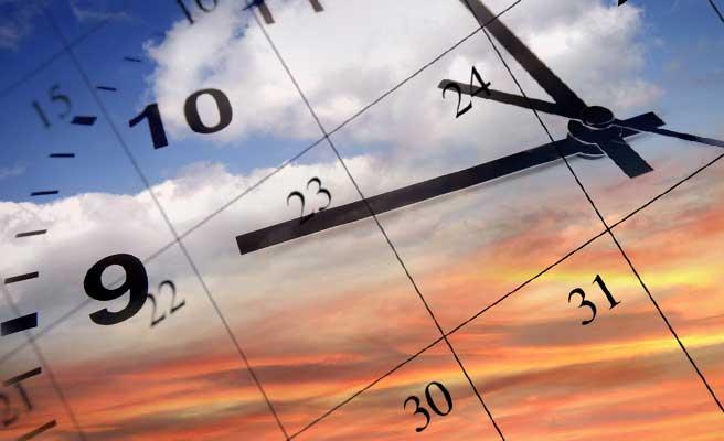 時計とカレンダーが示す時間の流れ
