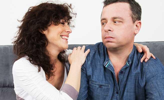 同棲に飽きた男性と女性