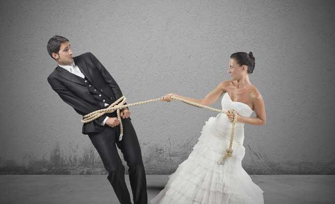 結婚で縛られる男性