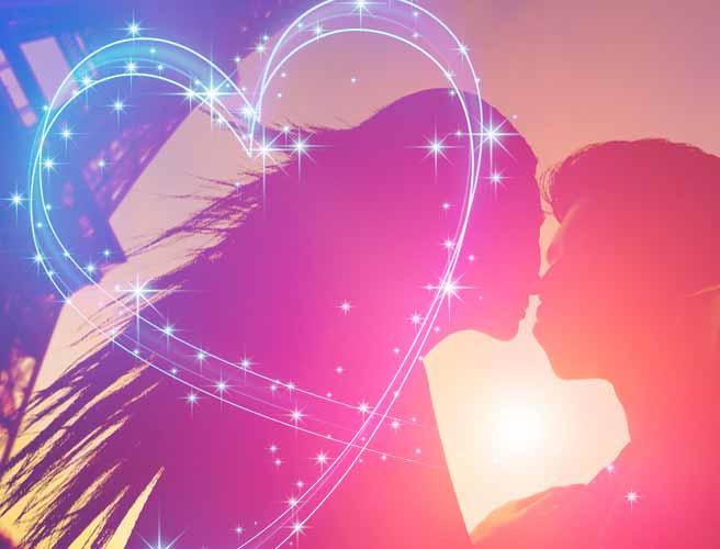 キスをする恋人達
