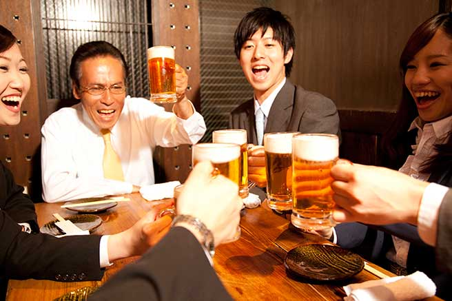 盛り上がる飲み会