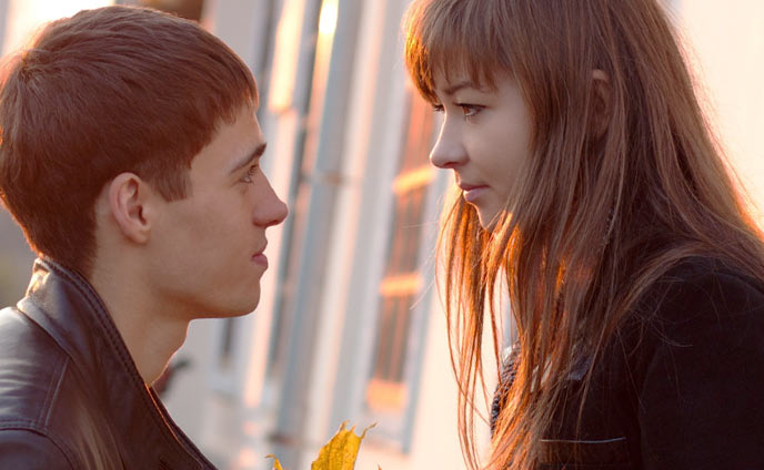 恋愛話してくる男が本命女子だけに見せる恋の駆け引き4つ