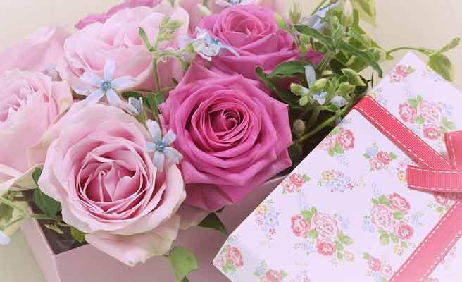 バラの花束のギフト