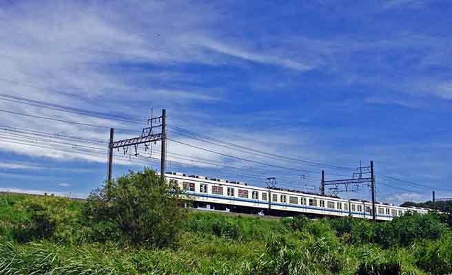 地方線を走る電車