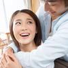 後ろから抱きしめる男性心理7つ彼女をなろ抱きする理由