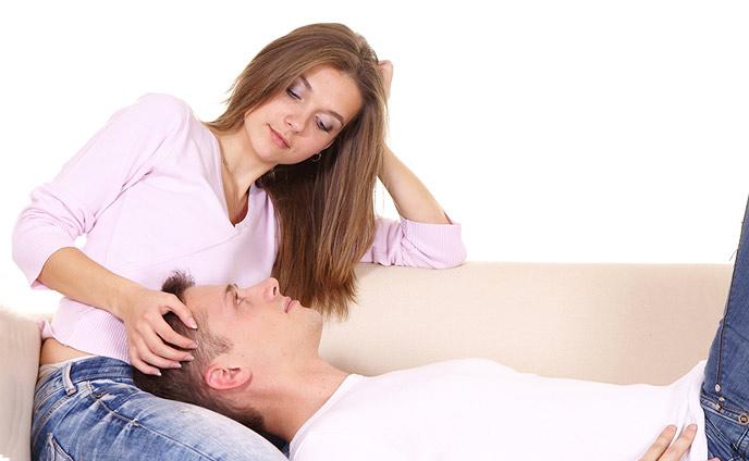 彼氏が好きすぎる彼女の重い行動・幸せ維持する7つの方法