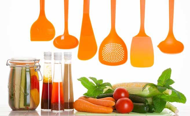 カラフルな調理器具