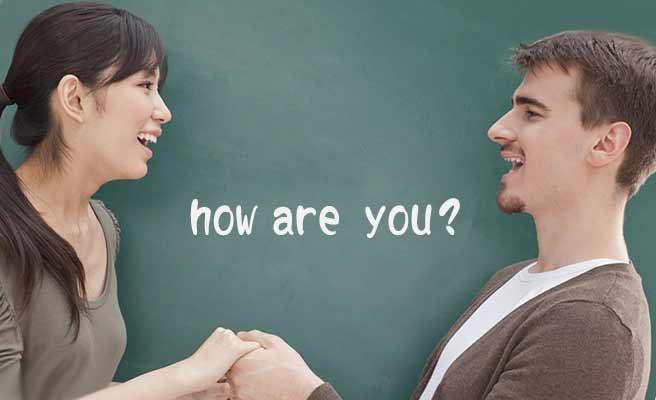 英会話の授業を受ける女性と男性講師