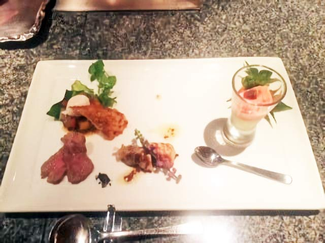 ローストビーフやムース、宮崎産の野菜を使った前菜