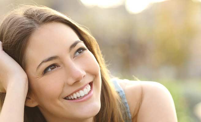 安らぎのある笑顔の女性