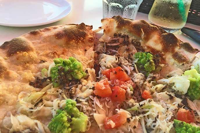 鎌倉といえばしらす!しらすがトッピングされたピザは人気のメニュー♪