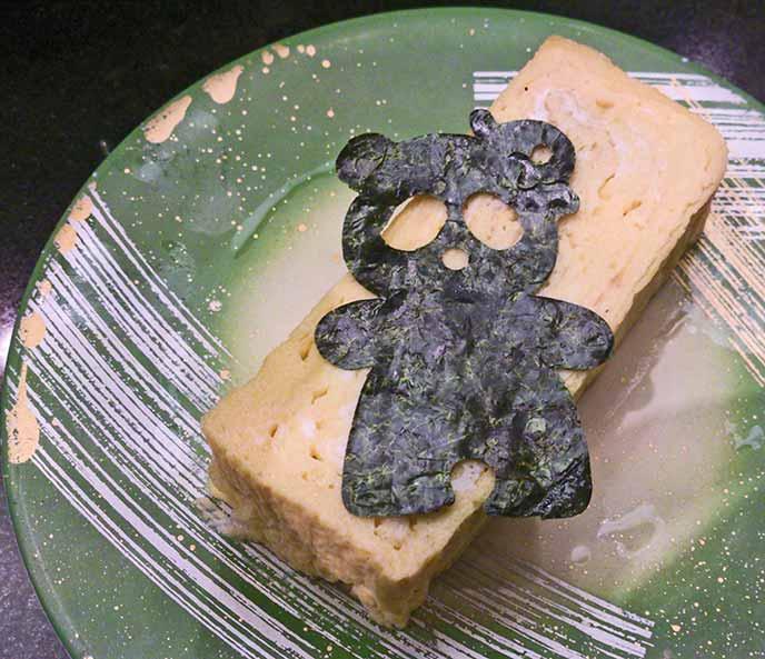 卵焼きにもパンダのカタチをした海苔が!上野動物園のパンダを思わせる可愛い演出です♡
