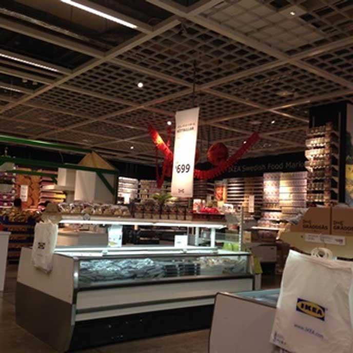 1Fのフロアには、IKEAのレストランでも使用されているスウェーデンの食材などを購入することができます♪