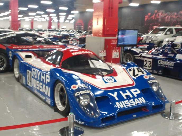実際にレースに出場した車が展示されているのも魅力!実際に走った車なのかと思うと感動しますよね☆