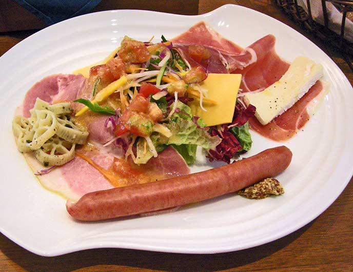ランチセットでいただけるお料理の一部☆ボリューム満点の前菜
