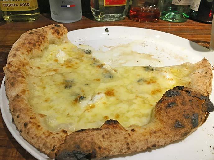 蜂蜜とチーズの組み合わせがクセになる美味しさ☆クアトロフロマッシュ