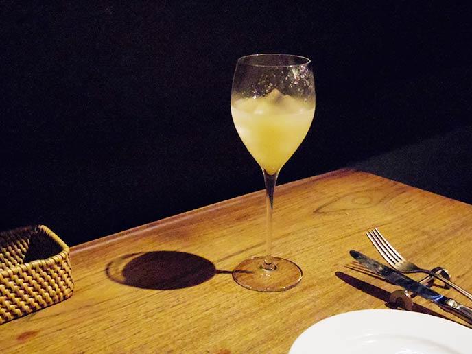 白ワインと梨で作られたサングリア☆しっかりと梨の味がしていて飲みやすい!