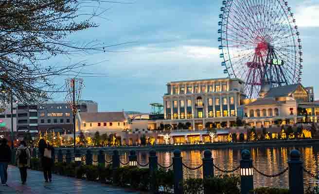 夕刻の横浜コスモワールド