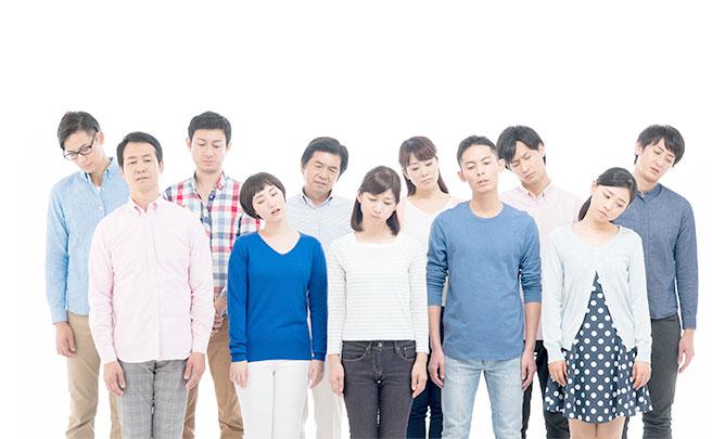 落ち込む人のグループ