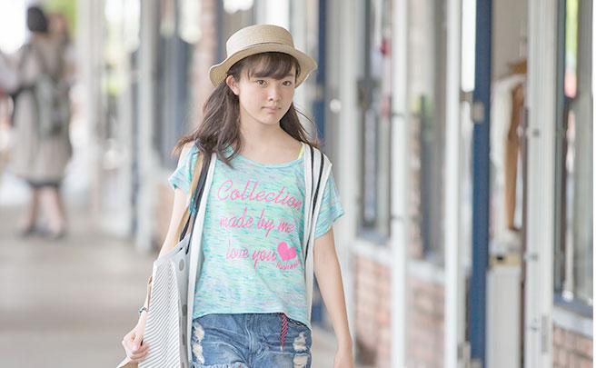 ショッピング中の女の子