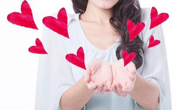 【恋愛手相診断】恋愛運上昇中のモテ期女子が持つ線まとめ