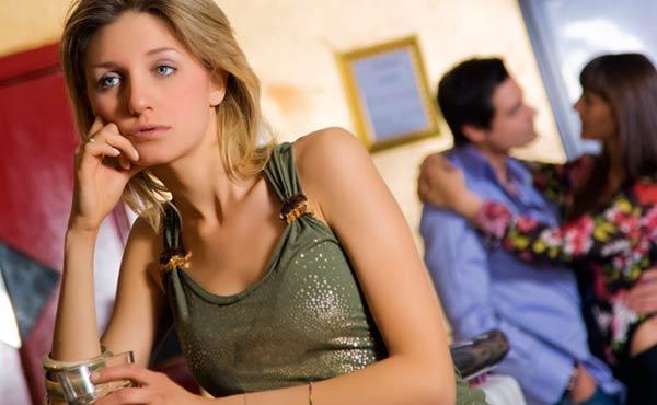 【寂しい時の対処法】幸せホルモンと心理学からの9つの解決法