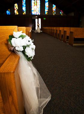 クリスマスの結婚式…招待するゲストには細心の配慮を