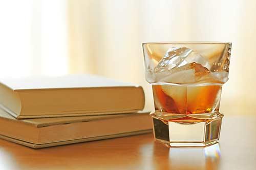 バーと酒と本