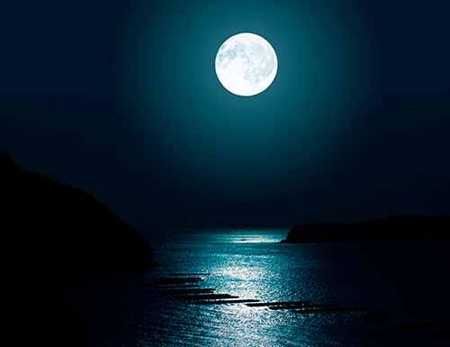 月光でパワーストーンを浄化