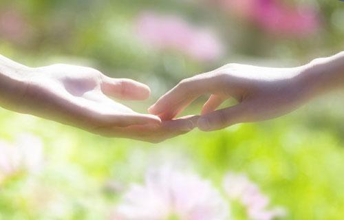 付き合う前に手をつなぐ時点で、女性のことが好きなことは間違いなし!