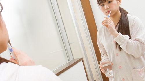 歯磨き用のコップ